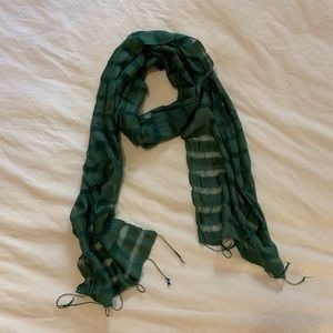 Accessories - Green silky multi-texture scarf